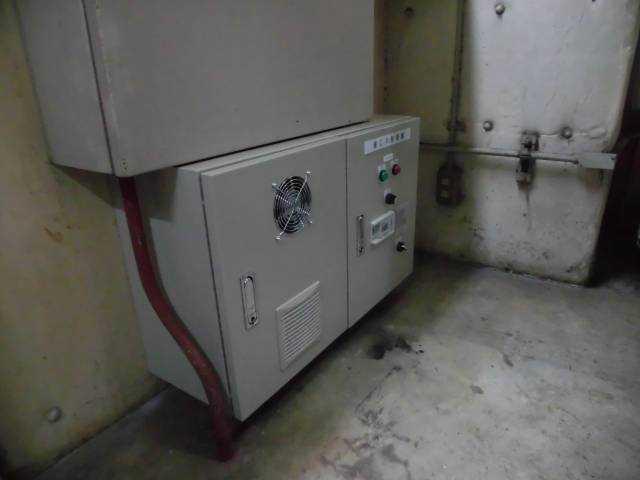 ※省エネ空調機制御盤設置後の使用電力削減量 計測中。